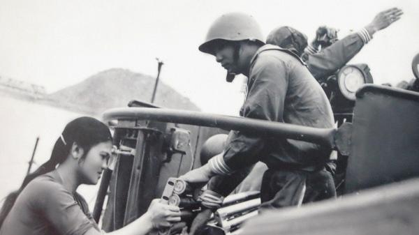 Chuyện tình lãng mạn của người chiến sĩ bắt tướng Đờ cát trên chiến trường Điện Biên Phủ
