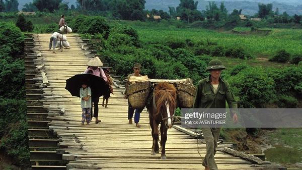Loạt ảnh hiếm có khó tìm về Điện Biên Phủ năm 1994 qua ống kính phóng viên quốc tế