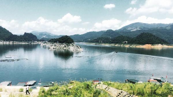 """Có một """"hòn đảo xanh"""" rất tình ngay sát Hà Nội vào những ngày sang thu…"""