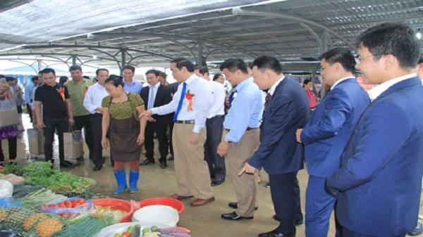 Khai trương Chợ trung tâm huyện Lương Sơn