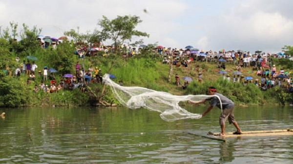 Lễ hội đánh cá suối tháng 3 xã Lỗ Sơn năm 2017