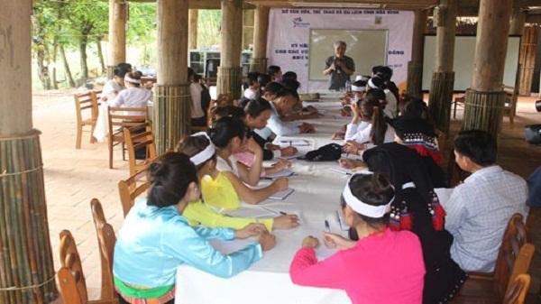 Người dân tỉnh Hòa Bình tham gia tập huấn kỹ năng nghề du lịch homestay năm 2017