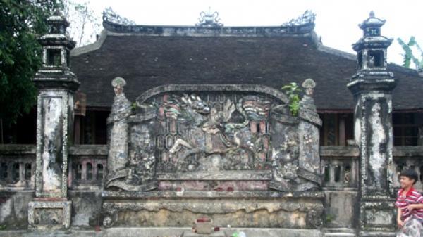 Lặng ngắm nét tinh xảo của những tấm bình phong cổ - nét kiến trúc độc đáo trong đời sống văn hóa Huế