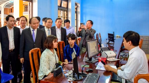 Thủ tướng Nguyễn Xuân Phúc thăm Trung tâm tiếp công dân Công an tỉnh Thừa Thiên - Huế
