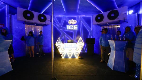 Giới trẻ cố đô trải nghiệm festival bia giữa cái lạnh 2 độ C