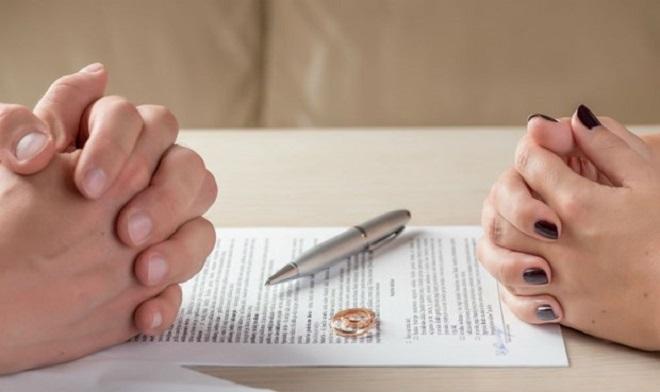 """Tiền tỉ tan tành cùng cuộc hôn nhân """"chui"""" 18 năm không đăng ký ở Huế"""