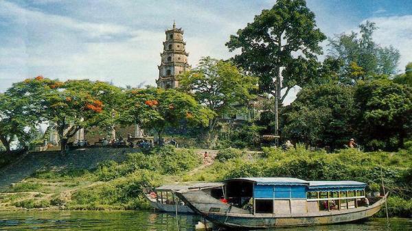 Chùa Thiên Mụ và truyền thuyết về bà lão mặc áo đỏ cùng tên gọi của ngôi chùa linh thiêng đất cố đô