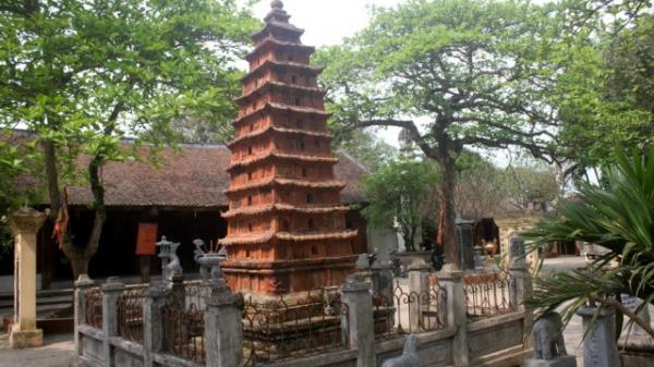 """Ngắm tòa tháp """"cửu trùng"""" trong ngôi đền nghìn tuổi ở Hưng Yên"""