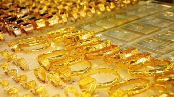 Giá vàng cao ngất ngưởng, có nên mua vàng thời điểm này?