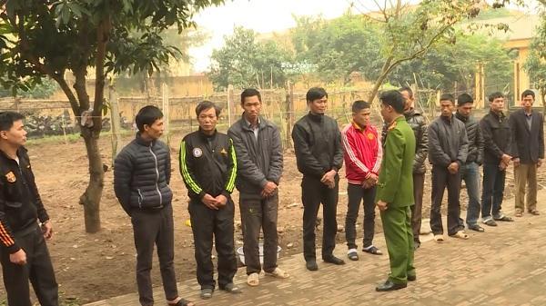 Kim Động (Hưng Yên): Bắt giữ 11 đối tượng chuyên đám hiếu, hỉ để đánh bạc
