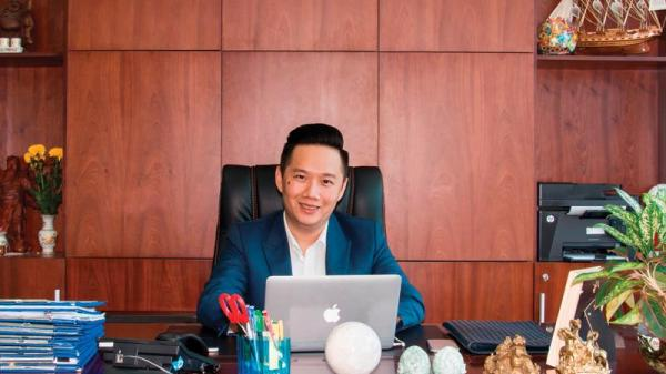 Lộ diện anh chàng giám đốc thưởng nóng hàng ngàn nhân viên mừng trận thắng lịch sử của U23 Việt Nam