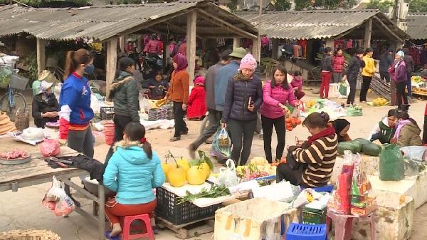 Độc đáo phiên chợ Cời ngày Tết ở xứ nhãn Hưng Yên