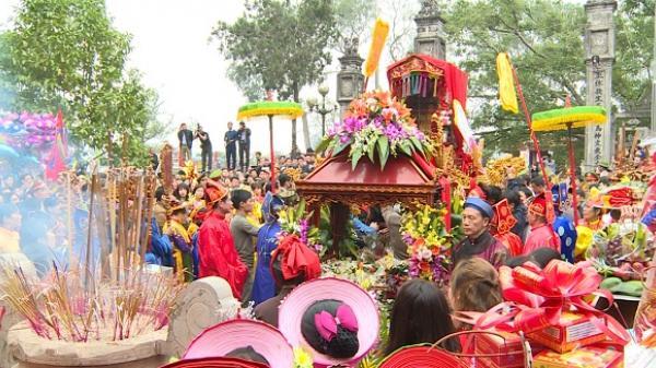 Ân Thi (Hưng Yên) khai hội đền Phù Ủng với nhiều trò chơi dân gian