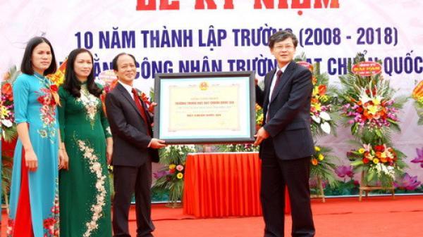 Hưng Yên: Trường THPT Nguyễn Siêu đón Bằng công nhận đạt Chuẩn quốc gia
