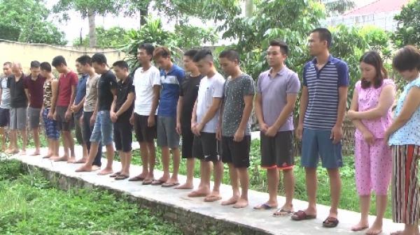 Mỹ Hào: Bắt quả tang 21 con bạc đang sát phạt, thu giữ gần 500 triệu đồng