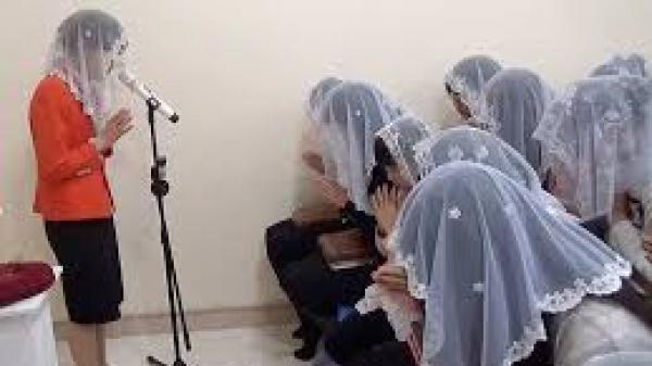 Nỗi khắc khoải của người mẹ có 2 con đi theo Hội Thánh của đức Chúa Trời ở Văn Giang