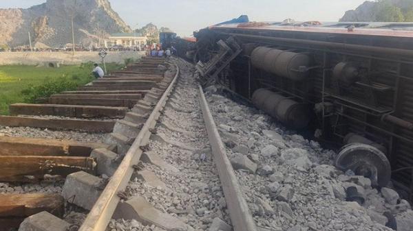T.ai nạn tàu hỏa kinh hoàng làm 2 người c.hết, 8 người bị thương