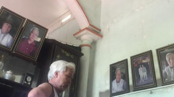 Ông bố 70 tuổi xì-tin ở Hưng Yên phóng to, đóng khung ảnh tự sướng treo khắp nhà