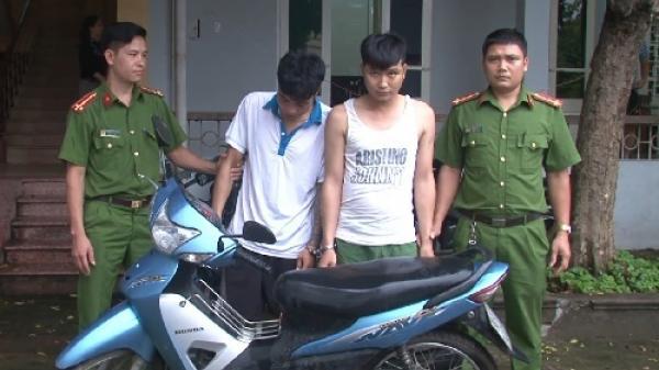 Bắt 2 đối tượng vừa ra tù lại tiếp tục trộm cắp xe máy tại Văn Lâm
