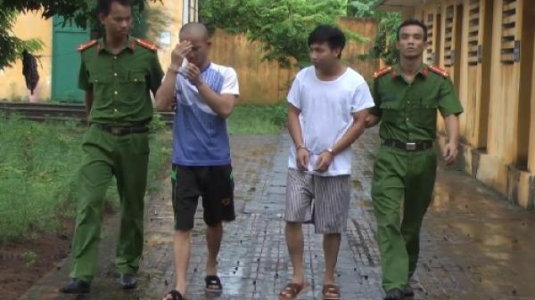 """Bắt 2 đối tượng hủy hoại tài sản đề """"dằn mặt"""" chủ nhà tại Kim Động"""