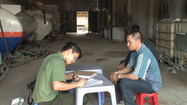 """Khởi tố vụ án """"rút ruột"""" xăng dầu tại Văn Lâm"""