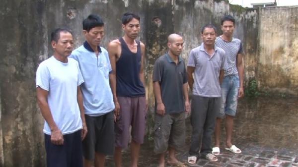 Bắt quả tang 6 con bạc đang sát phạt tại Phù Cừ
