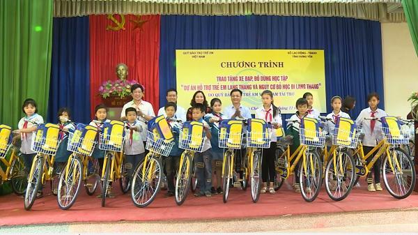 Quỹ Trẻ em Việt Nam tặng 145 xe đạp và 200 bộ đồ dùng học tập cho trẻ em Hưng Yên