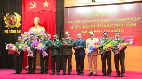 Gặp mặt tướng lĩnh quân đội, công an quê Hưng Yên nhân kỷ niệm ngày 22/12