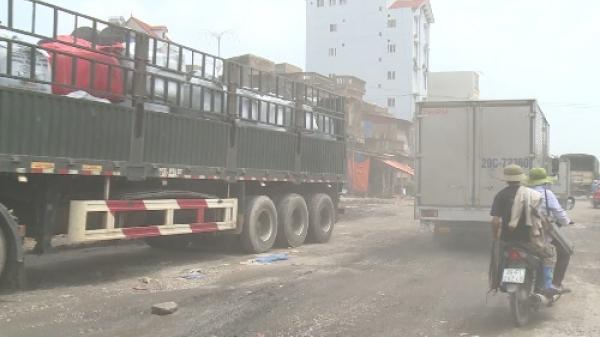Hưng Yên: Đường ở cụm công nghiệp Tân Quang xuống cấp, dài 1 km nhưng có vài trăm ổ trâu