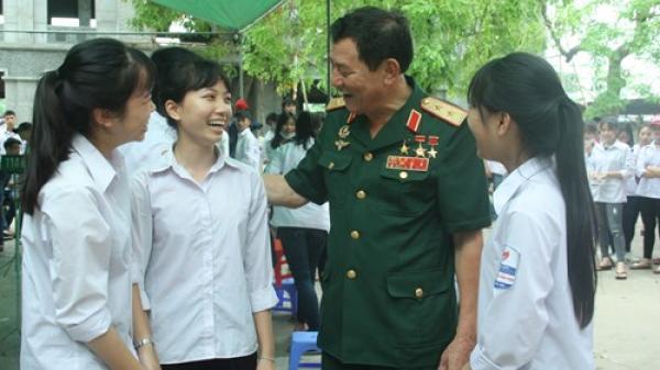 Học sinh Dương Quảng Hàm và bài học lịch sử đặc biệt với anh hùng Phạm Tuân