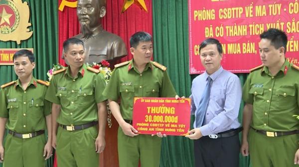 Hưng Yên: Thưởng nóng ban chuyên án bắt đối tượng vận chuyển 8 bánh heroin