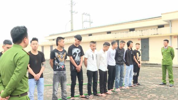 Hưng Yên: Nhóm thanh niên choai chửi bới, hò hét, đánh nhau ngay khu vực cổng Đền