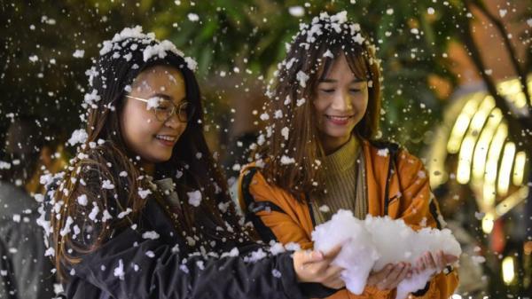ĐỪNG BỎ LỠ: Giáng sinh năm nay, ngay gần Hà Nam xuất hiện điểm mưa tuyết lãng mạn như ở trời Âu