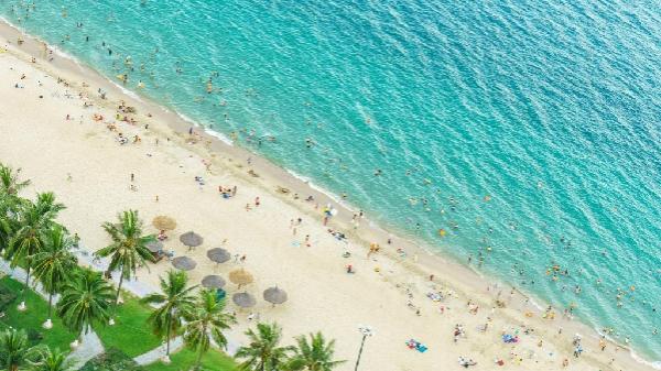 10 bãi biển đẹp, hút khách mùa hè