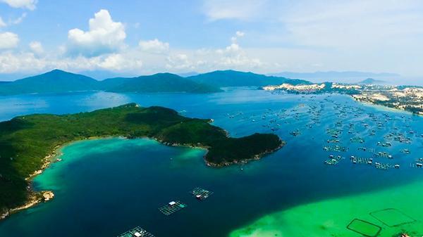 Nhìn thôi bạn cũng đã muốn đi  trước vẻ đẹp quyến rũ của bán đảo Đầm Môn