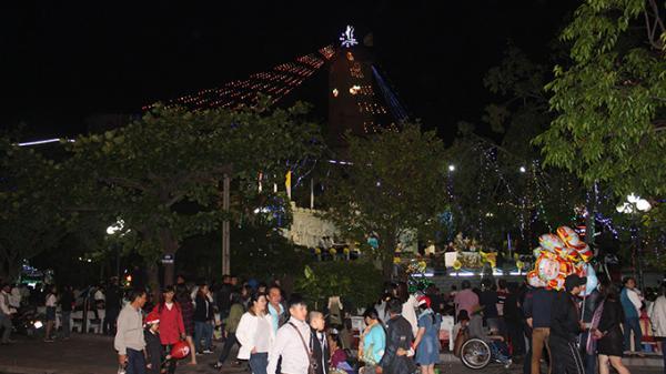 Người dân Nha Trang vui đón Noel 2017