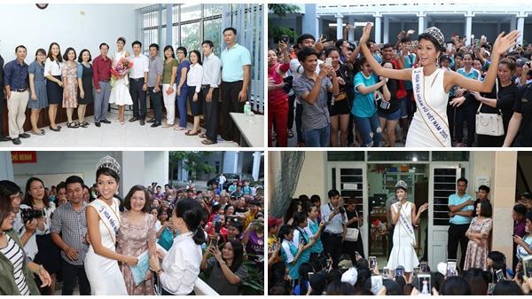 Tân hoa hậu H'Hen Niê xúc động ôm chầm lấy cô giáo khi về thăm trường cũ ở Nha Trang