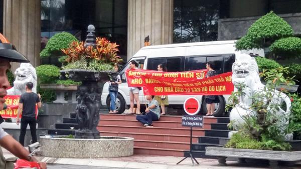 Khánh Hòa: Nhiều người kêu cứu sau khi ông chủ Bavico bị khởi tố vì chứa mại dâm