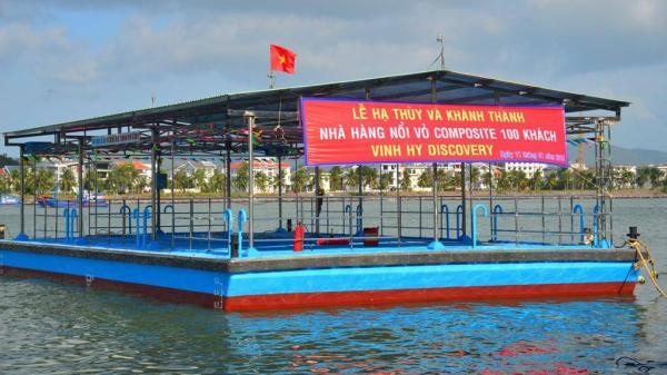 Khánh Hòa: Hạ thủy nhà hàng nổi đầu tiên trong năm 2018