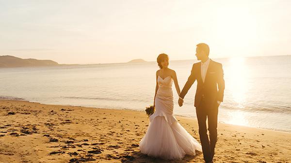 """MÊ MẨN bộ ảnh ở Khánh Hòa của cặp đôi giáo viên tiếng Anh """"chịu chơi"""" chi nửa tỷ chụp ảnh cưới"""