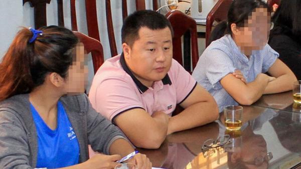 Phát hiện nhóm người Trung Quốc kinh doanh du lịch 'chui' ở Nha Trang