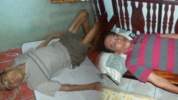 Khánh Hòa: Rơi nước mắt nhìn cảnh cha nằm liệt giường, con trai bị ung bướu