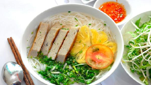 Tuyệt chiêu chế biến món bún chả cá thu Nha Trang