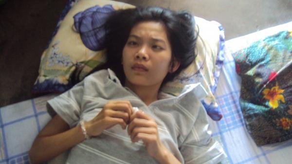 Khánh Hòa: Cô sinh viên nghèo vừa tốt nghiệp đã bị u não và ước mơ dạy còn dang dở