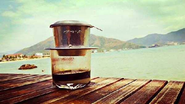 Thưởng thức cà phê ở trên cao
