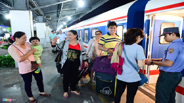 Cận cảnh tàu '5 sao' tuyến Sài Gòn - Nha Trang