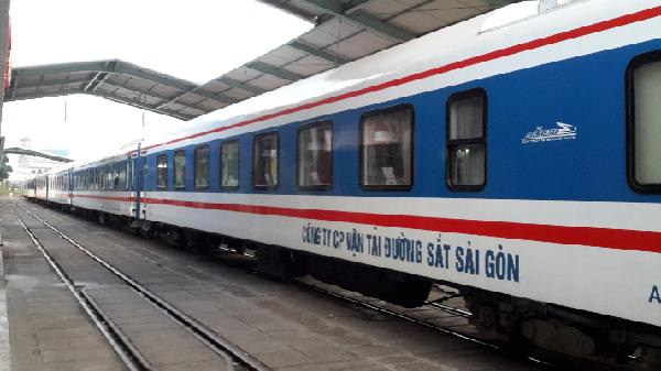 Tàu khách Nha Trang – Huế dành 1.000 vé giá 10.000 đồng