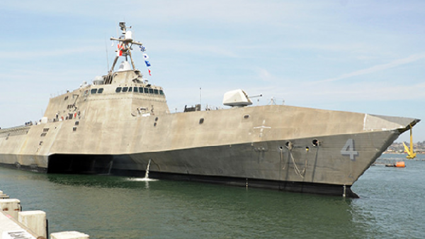Chiến hạm Hải quân Mỹ tiếp tục cập cảng Cam Ranh