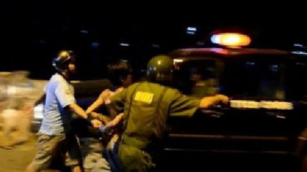 Cảnh sát nổ súng bắt tài xế taxi bị truy nã