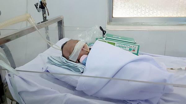 Nha Trang: Bé gái sinh non nặng 1,2 kg bị bỏ rơi tại bệnh viện